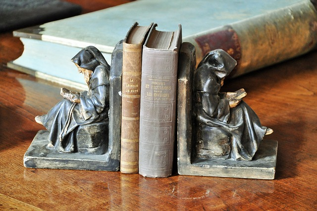 books-1183051_640